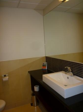 Mercure Warszawa Airport: hab doble, triple y el baño