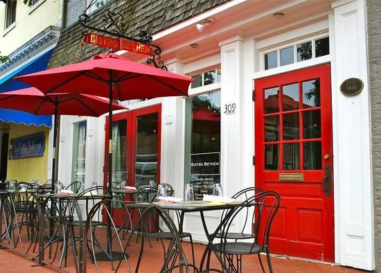 Bistro Bethem: William Street Entrance and outdoor dining