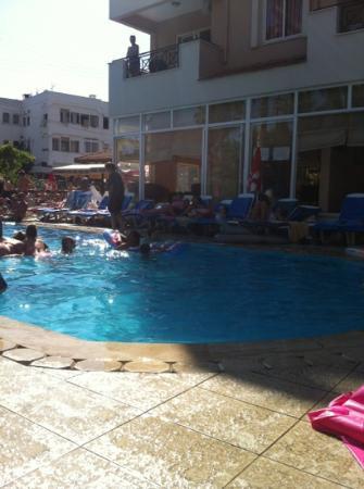 Club Sunsmile: heerlijk bij het zwembad