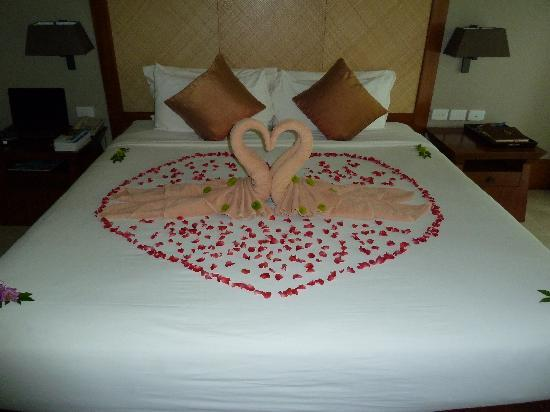 Layana Resort and Spa: A surprise from the staff on our anniversary