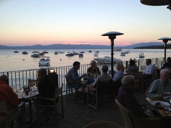 West Shore Cafe and Inn: A beauiful night for dinner