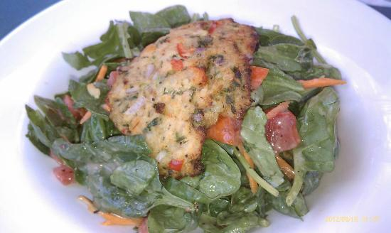 The Vineyard House: Crab Cake Spinach Salad