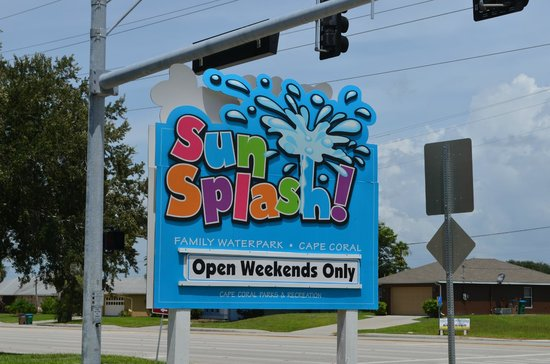 Cape Coral, FL: Sign at street. Weekend part is off season only.