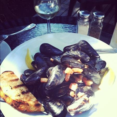 The Blue Coral : mussels were fabulous (ask for double garlic bread if splitting)