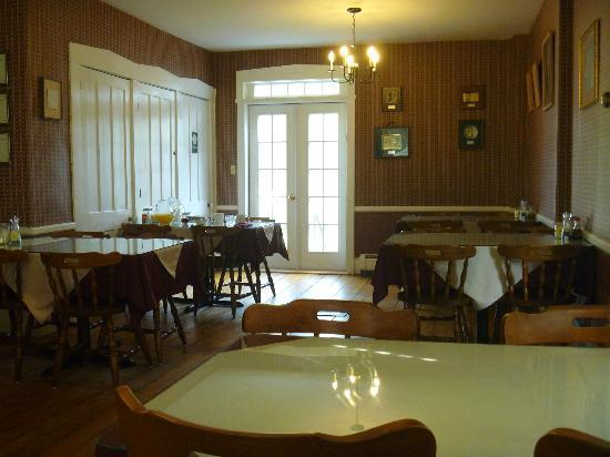 Old Town Farm Inn: dining room