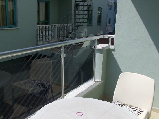 Nur Apart: balcony
