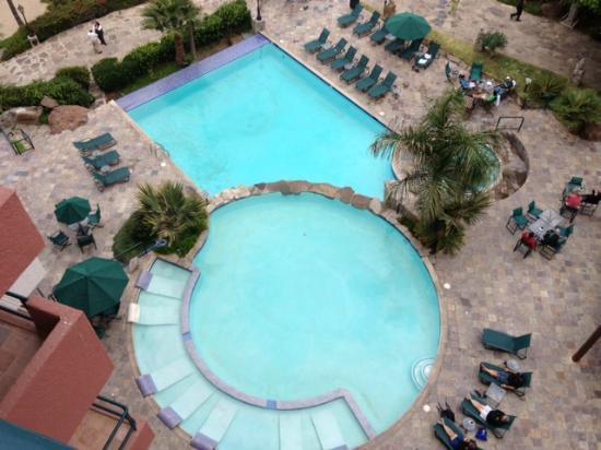 Hotel Coral & Marina: Outdoor Pool Area