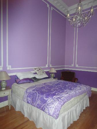 Petit Hotel El Vitraux: hotel room