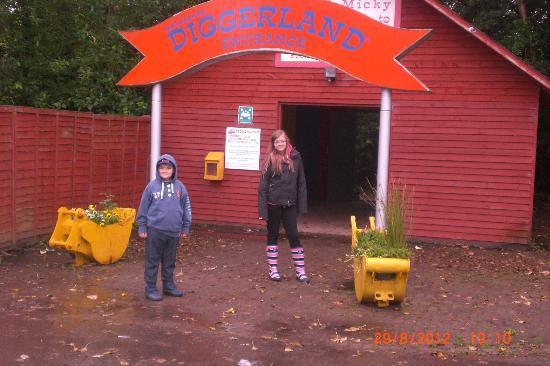 Diggerland : THE ENTRANCE