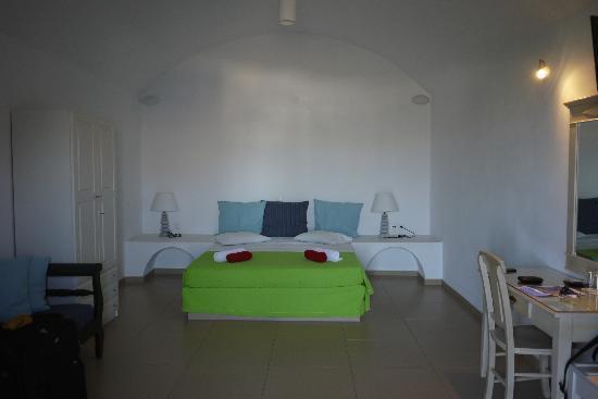 Apanemo - Room 24