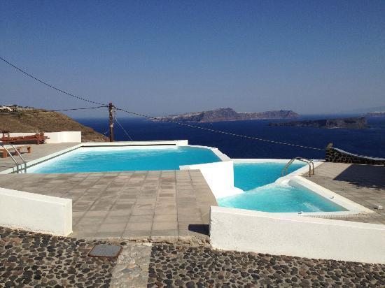 Apanemo - pool