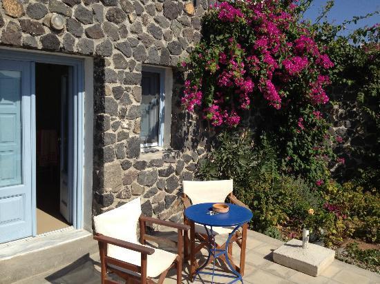 Απάνεμο: Apanemo - porch outside room 24