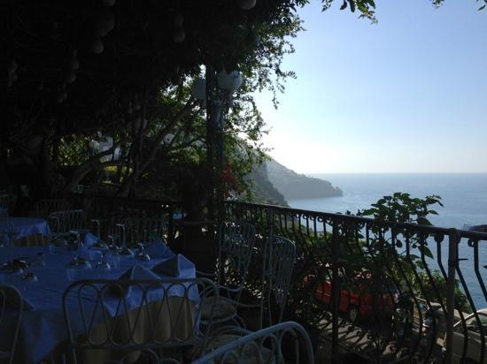 Al Barilotto Del Nonno: terrazza della colazione
