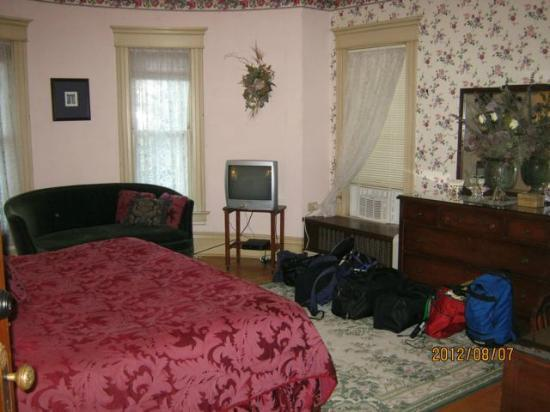 Viroqua Heritage Inn: The room we stayed in