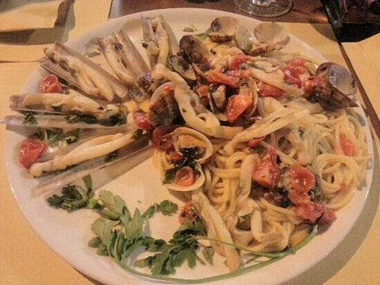 Base 23 : spaghetti con vongole e cannolicchi...