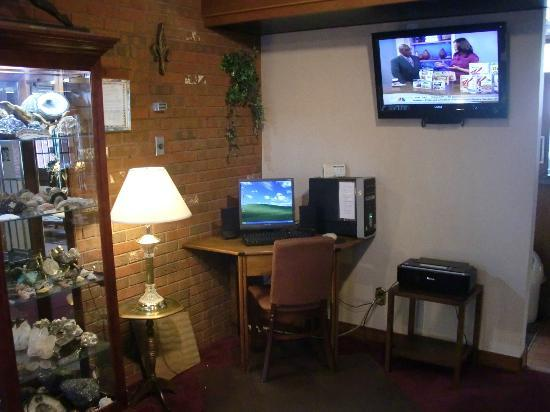 Cherry Tree Inn: Guest computer