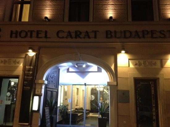 Carat Boutique Hotel: front