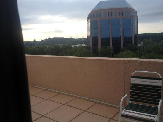 Falls Church Marriott Fairview Park: Balcony Under Sign - Not So Relaxing