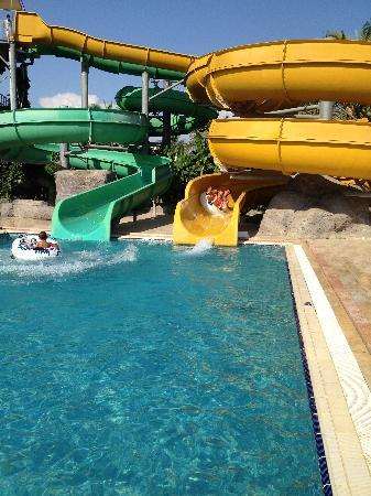 Royal Wings Hotel: Sliding in aqua park