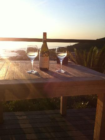 Boutique @ 10 : delicious bottle of wine, waiting for sunset