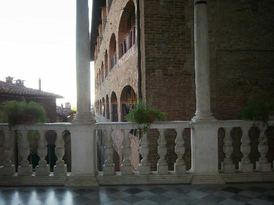 Casa di Santa Caterina: una parte del porticato