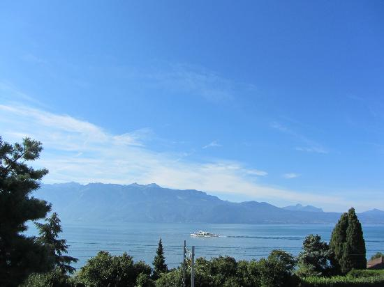 Hotel Lavaux: Lake Geneva from the balcony