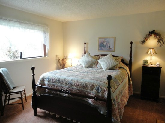 Delfino Vineyards B&B: Luxury poster bed