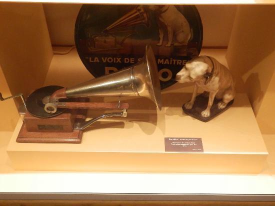 Museu del Cinema: La voz de su amo, gramofono