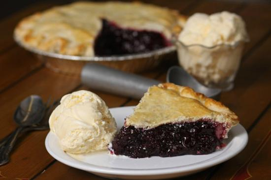 The Huckleberry Patch Cannery, Restaurant, & Gift Shop : Famous Huckleberry Pie