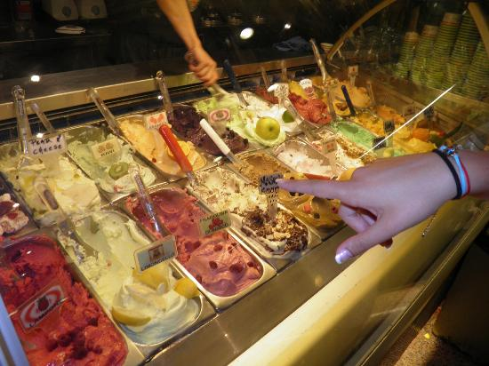 Las Palmas Gelateria : Fruit/berry flavors
