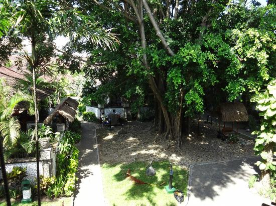 Grand Istana Rama Hotel Bali: hotel garden