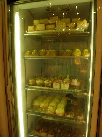 Las Palmas Gelateria : ice cream cakes and cup cakes