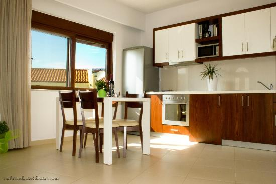 Esthisis Suites: Two bedroom maisonette - Kitchen
