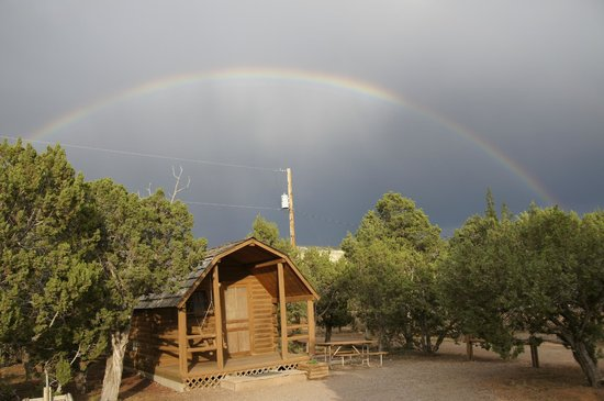 Santa Fe KOA Cabins and Campground: Our Kabin, under the rainbow!
