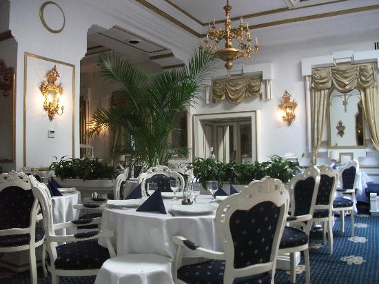 Imparatul Romanilor: Restaurant