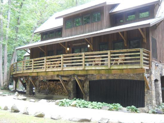 Nantahala River Lodge: Outside deck