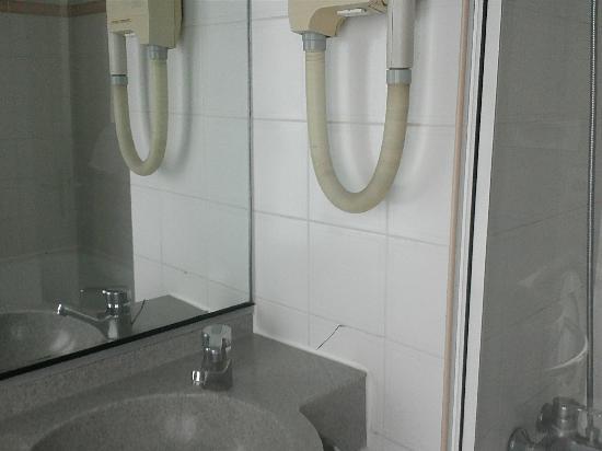 New Hotel Opera: baño secador