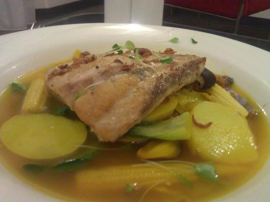 Novotel Darwin CBD: Barramundi in Saffron Broth(which was cold)