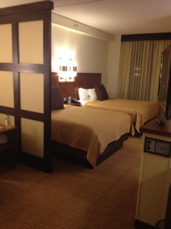 Hyatt Place Garden City: beds