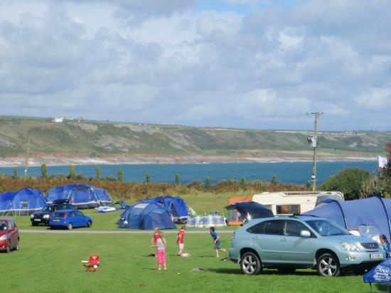 Carreglwyd Caravan and Camping Site : Carreglwyd camp site in Port Eynon