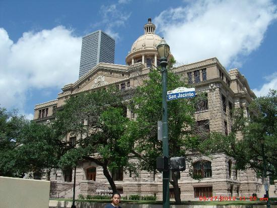 City Hall: ..........