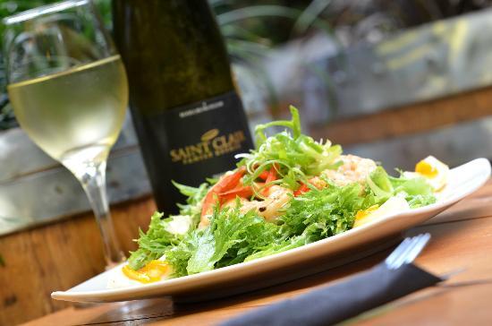 Monsoon Bar & Restaurant: Prawn Caesar Salad