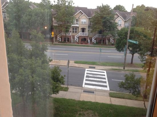 DoubleTree by Hilton Hotel Charlotte - Gateway Village : room view