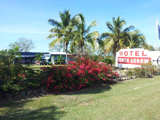 Bowen Arrow Motel - surprisingly quiet and relaxed atmosphere being right on Bruce Highway