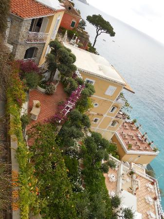 Villa La Tartana: View of a villa in Positano.