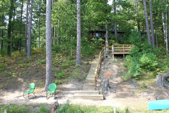 Black's Cliff Resort: View of the back of the Bear Den from the dock