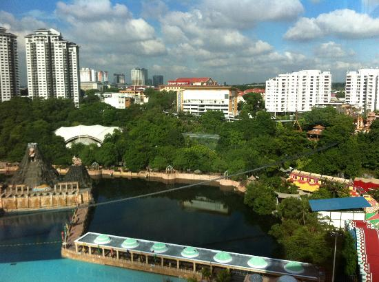 Sunway Resort Hotel & Spa: view of Sunway Lagoon water park from 19th floor