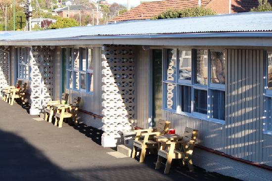 Bayfield Motels: motel unit outside