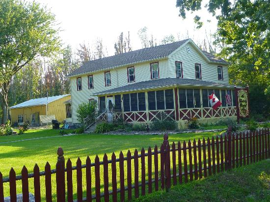 The Wandering Pheasant Inn: The Main B&B