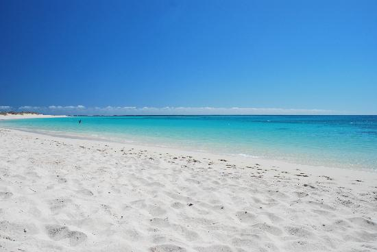 Turquoise Bay: pristine and unspoilt